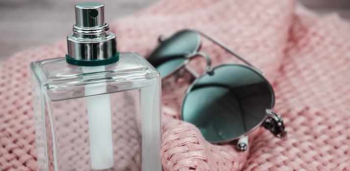 парфуми тримаються на одязі довше